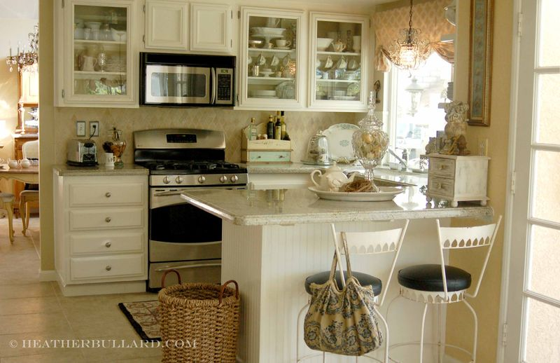 3 Beautiful Small Kitchen Designs & Layouts